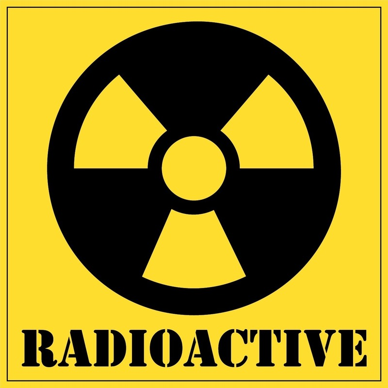 Gevaarsymbool radioactive / radioactief sticker 10,5 cm
